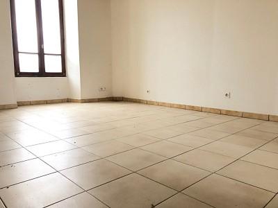 APPARTEMENT T1 A LOUER - ROZAY EN BRIE centre ville - 26,15 m2 - 423 € charges comprises par mois