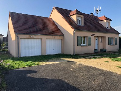 Traditionnelle A VENDRE - VILLIERS ST GEORGES - 160 m2 - 229 000 €