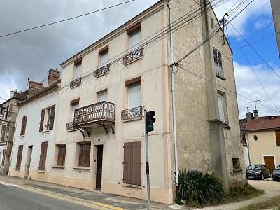 IMMEUBLE A VENDRE - JOUY LE CHATEL - 440 m2 - 390000 €