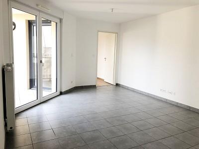 APPARTEMENT T2 A LOUER - LE MEE SUR SEINE BORD DE SEINE - 39,11 m2 - 656 € charges comprises par mois