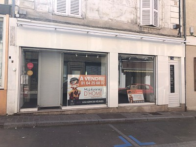 LOCAL COMMERCIAL A VENDRE - ROZAY EN BRIE - 54,53 m2 - 130 000 €