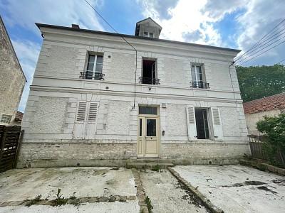 MAISON A VENDRE - JOUY LE CHATEL - 123 m2 - 210000 €