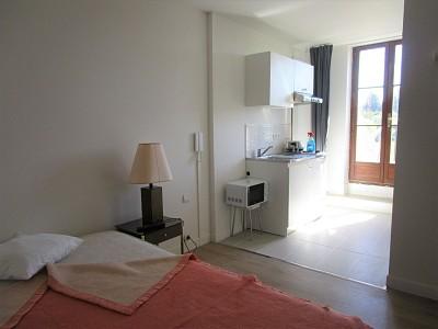 STUDIO A LOUER - CHAUMES EN BRIE - 19 m2 - 425 € charges comprises par mois