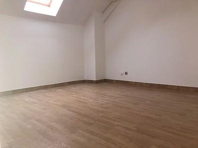 APPARTEMENT T2 A LOUER - ROZAY EN BRIE CENTRE VILLE - 56,35 m2 - 591 € charges comprises par mois