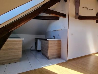 APPARTEMENT T3 A LOUER - ROZAY EN BRIE CENTRE VILLE - 44,01 m2 - 720 € charges comprises par mois