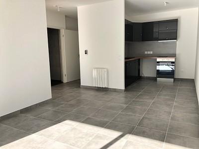 APPARTEMENT T2 A LOUER - FONTENAY TRESIGNY - 45 m2 - 750 € charges comprises par mois