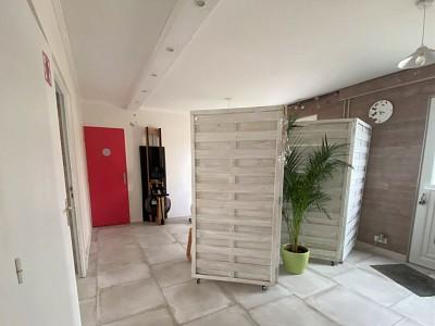MAISON A VENDRE - VILLENEUVE LE COMTE - 150 m2 - 323000 €
