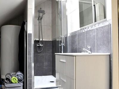 APPARTEMENT T3 A VENDRE - ROZAY EN BRIE - 77 m2 - 166000 €